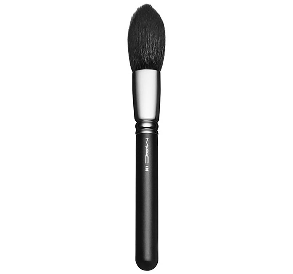 Mac tapred face brush 138