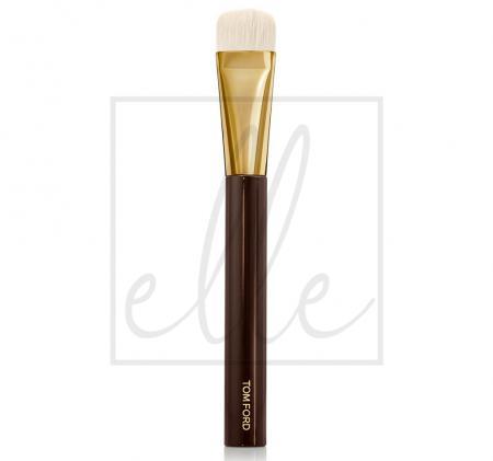 Shade & illuminate brush 04
